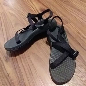 Woman's CHACO Black Strappy Sport Sandals SIZE 11